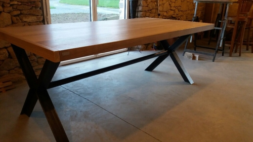 table_metal_bois_pieds_en_croix_01